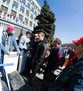 Луганщина предвыборная: «поддельный» Шахов, настоящий Струк и загнанный в угол Ефремов
