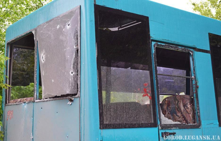 В числе первых жертв среди мирных жителей 2 погибших и 4 раненых в кв. Пролетариата Донбасса