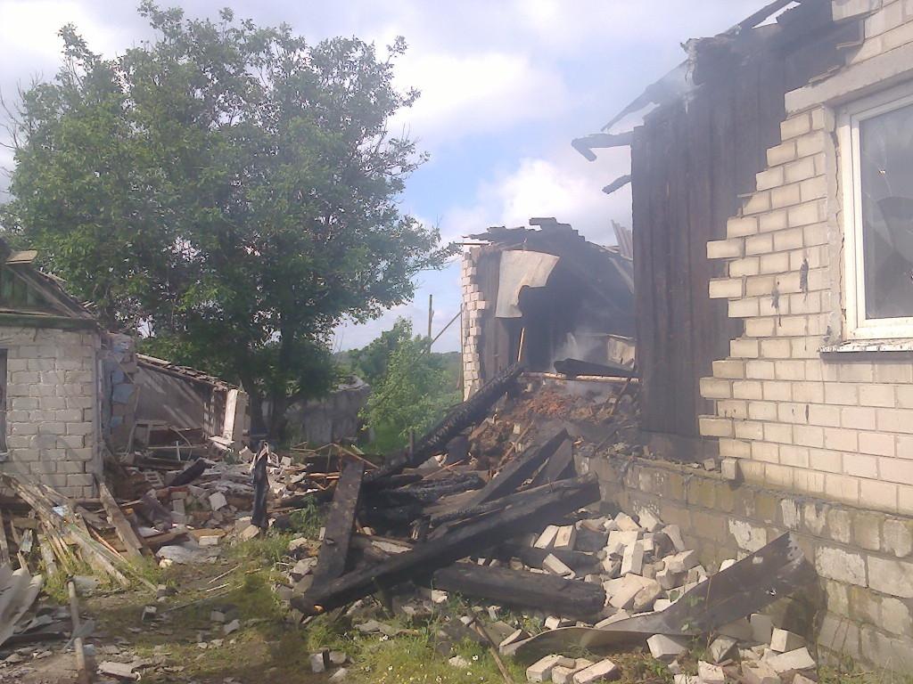 Боевики всю ночь непрерывно обстреливали Станицу Луганскую