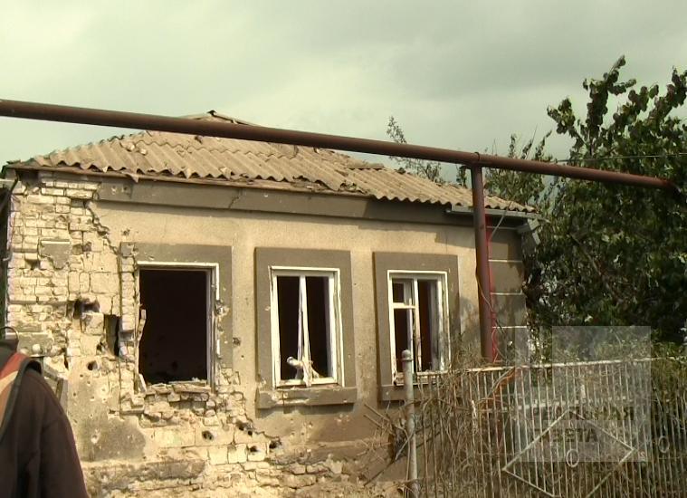 Последствия обстрела поселка Сартана под Мариуполем (фото)