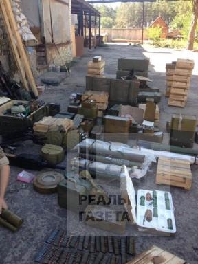 На Луганщине СБУ обнаружила два больших арсенала оружия бывших добровольцев  (фото)