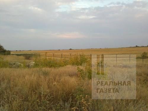 В России отгораживаются забором с колючей проволокой от фейковых республик (фото)