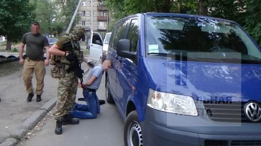 На Луганщине в Рубежном задержали милиционеров-взяточников (фото видео)