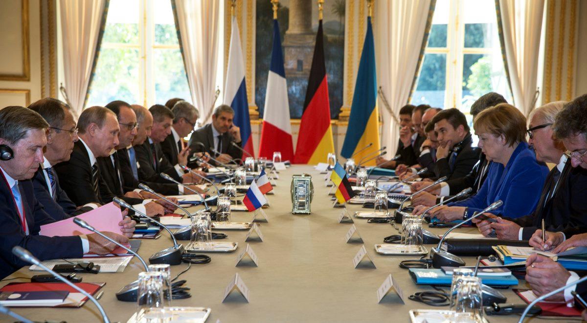 Олланд и Путин - с одной стороны, Порошенко и Меркель - с другой (фото - ЕРА)