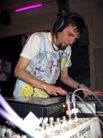 Автор проекта «Torus Knot» и барабанщик «Мёртвых груш» Игорь Мищенко