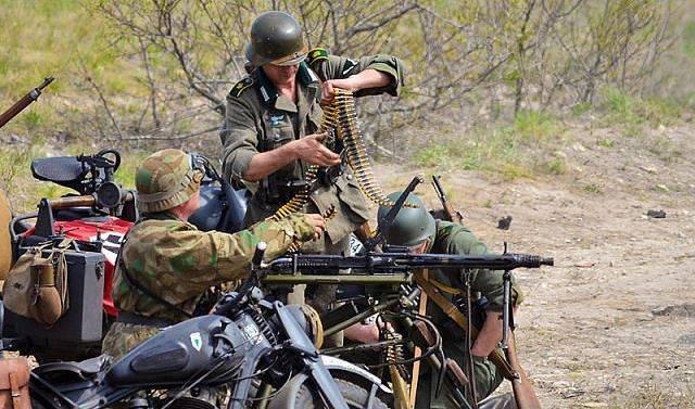 Как реконстукция, превратилась в войну в Донбассе