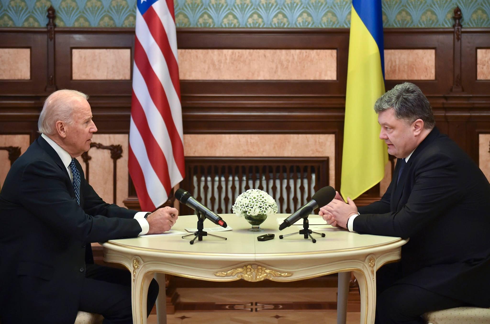 Порошенко заявил о готовности поддержать коалицию в Сирии