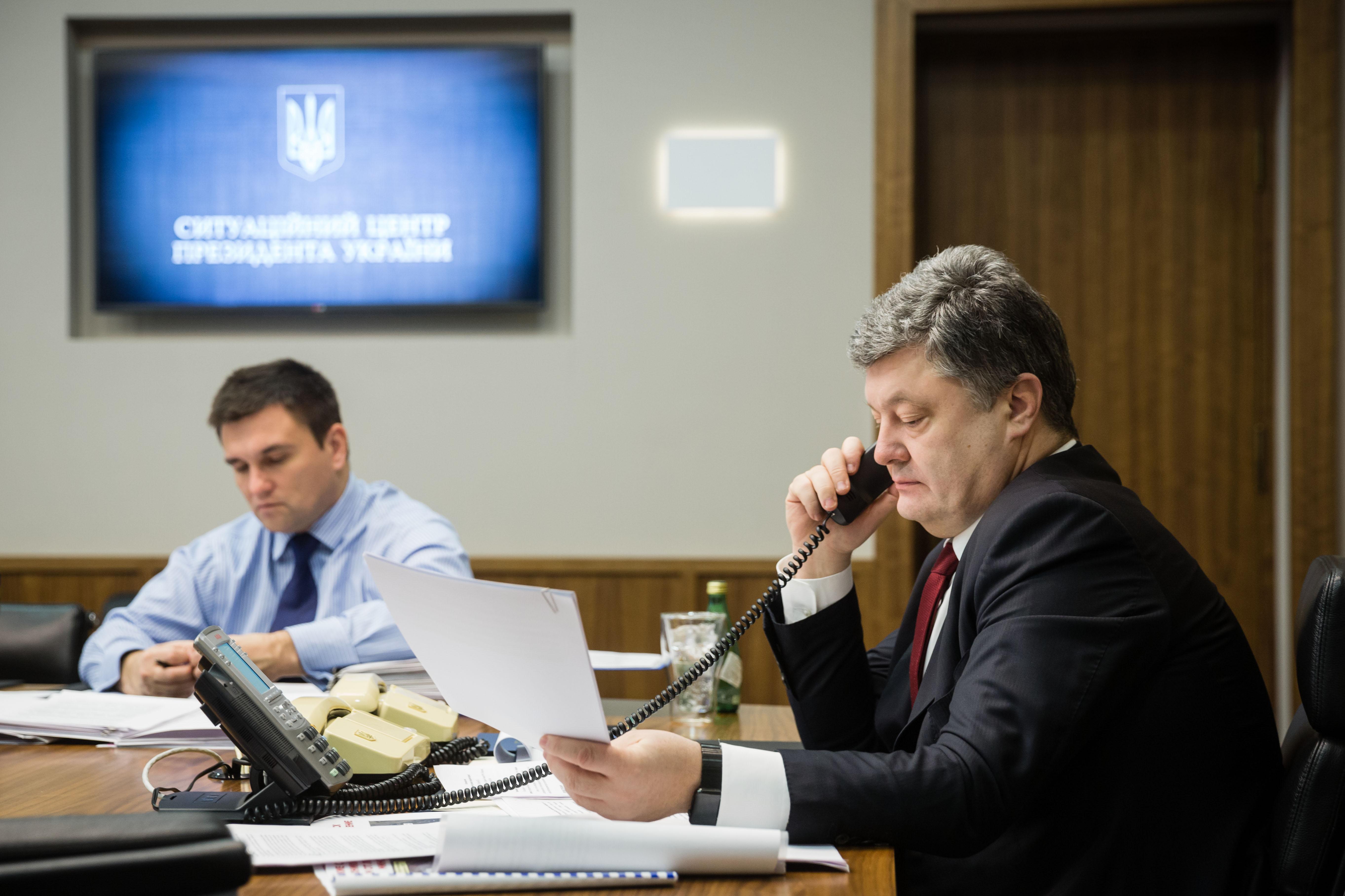 Порошенко провел телефонный разговор с лидерами «Нормандской четверки»