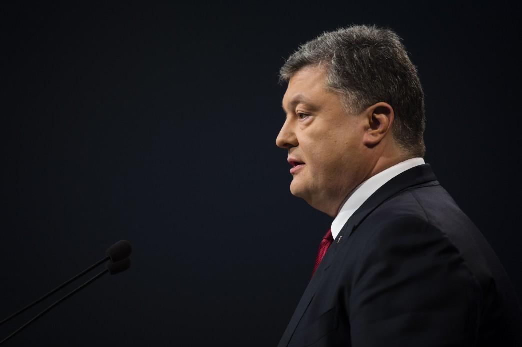 Готов встречаться с кем угодно ради тишины на Донбассе — Порошенко (видео)