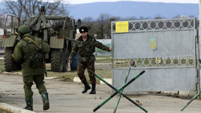 После аннексии Крыма 8 тысяч военных изменили присяге — Матиос