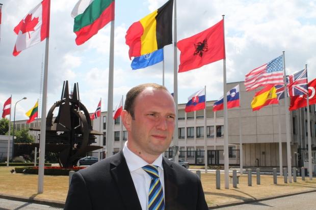 НАТО предоставит Украине оборудование для разминирования на Донбассе