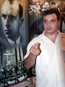 Клинчаев создал музей жертв Оранжевой революции. Фото Ярослава Гребенюка