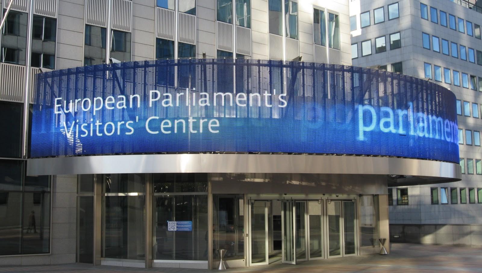 Депутаты Европарламента призвали ужесточить санкции против РФ за Савченко