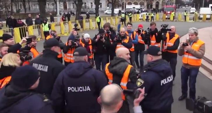 В Латвии задержан российскй пропагандист Грэм Филипс (видео)