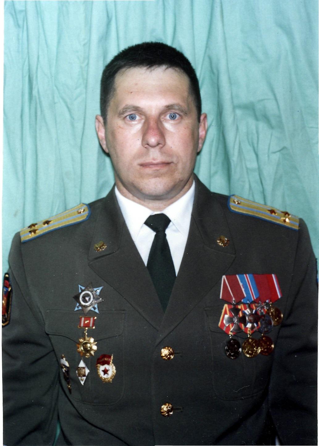 К боевикам отправили генерала расследовать хищение горюче-смазочных материалов