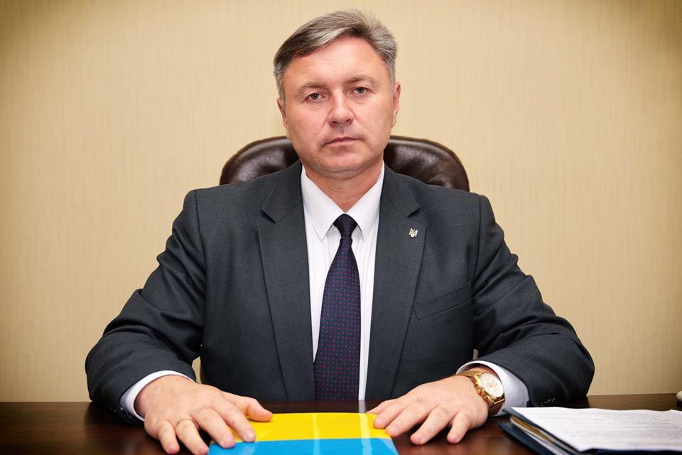 Губернатор Луганщины заявил, что готов вести диалог со всеми политическими партиями
