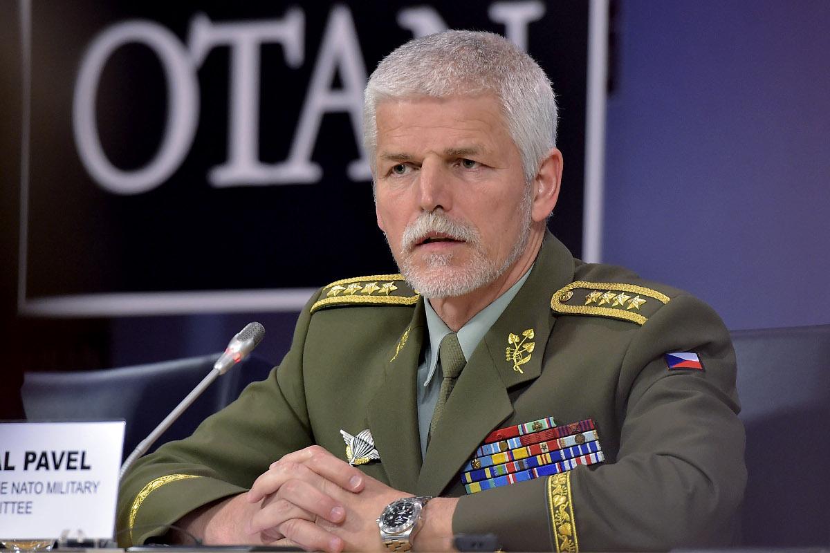 Необходимости в поставках летального вооружения в Украину нет — представитель НАТО