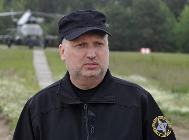Турчинов: В Украине будет налажено производство беспилотников, способных нести ракеты