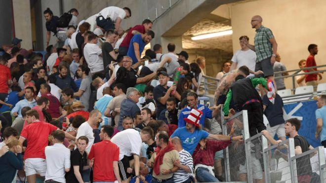 В Марселе за участие в беспорядках арестовали 20 россиян