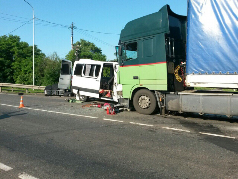В Курской области в ДТП с фурой погибло пять граждан Украины (обновлено)