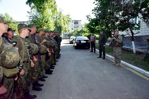 В Торецк направлена спецгруппа полиции для выявления подозрительных