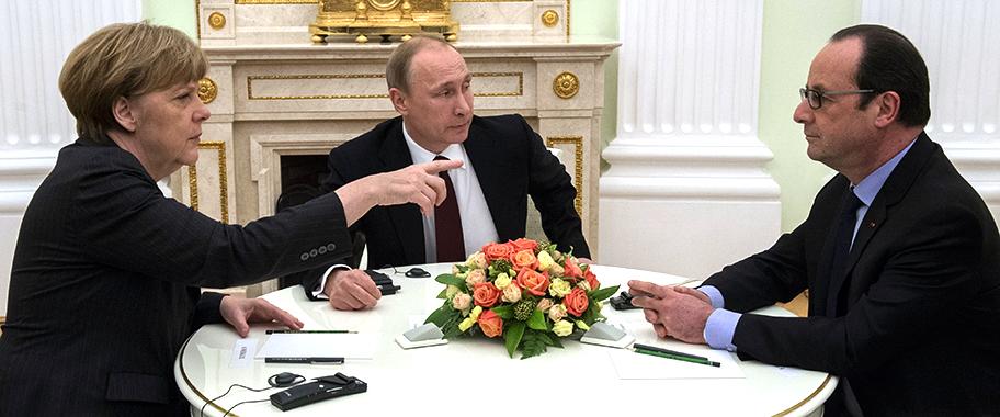 Путин Меркель и Олланд провели телефонный разговор