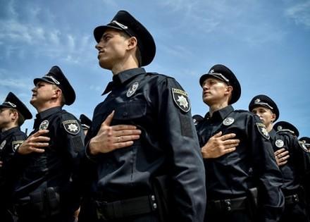 Министр МВД Аваков сообщил сколько нужно Украине следователей и участковых
