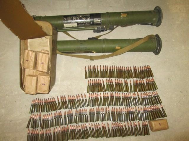 В зоне АТО СБУ блокировала два случая незаконного оборота оружия и боеприпасов (фото)
