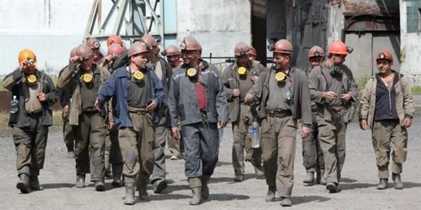 Неработающие шахты, мизерная зарплата. Как встретят День шахтера в «ДНР»?