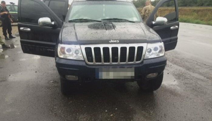 В Днепропетровской области СБУ задержала автомобиль с оружием из зоны АТО (фото)