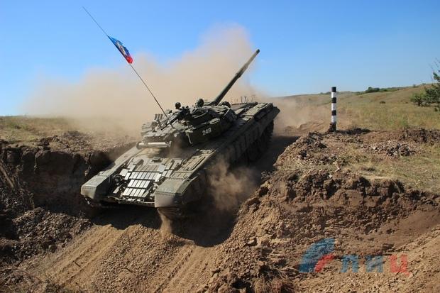 Группировка «ЛНР» устроила танковый биатлон (фото)