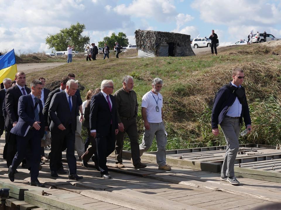 Главы МИД Франции и Германии своми глазами увидели, что принес «русский мир» на Донбасс (фото)