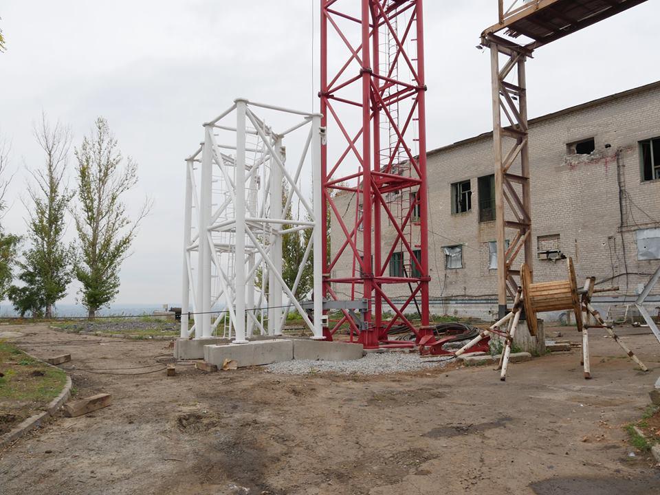 В Краматорске заканчивают возведение телевышки на горе Карачун (фото)