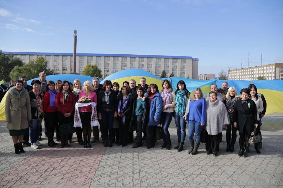 На Луганщину приехали 26 учителей из западной Украины (фото)