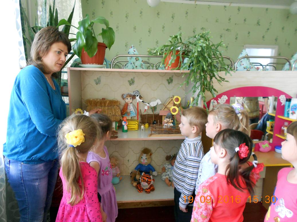 Сказкотерапия помогает детям Марьинского района справляться с проблемами