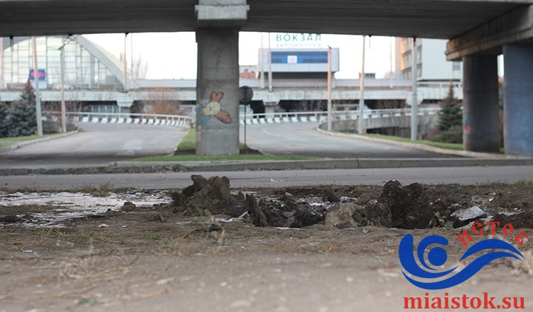 В Луганске упал сепаратистский памятник (фото)