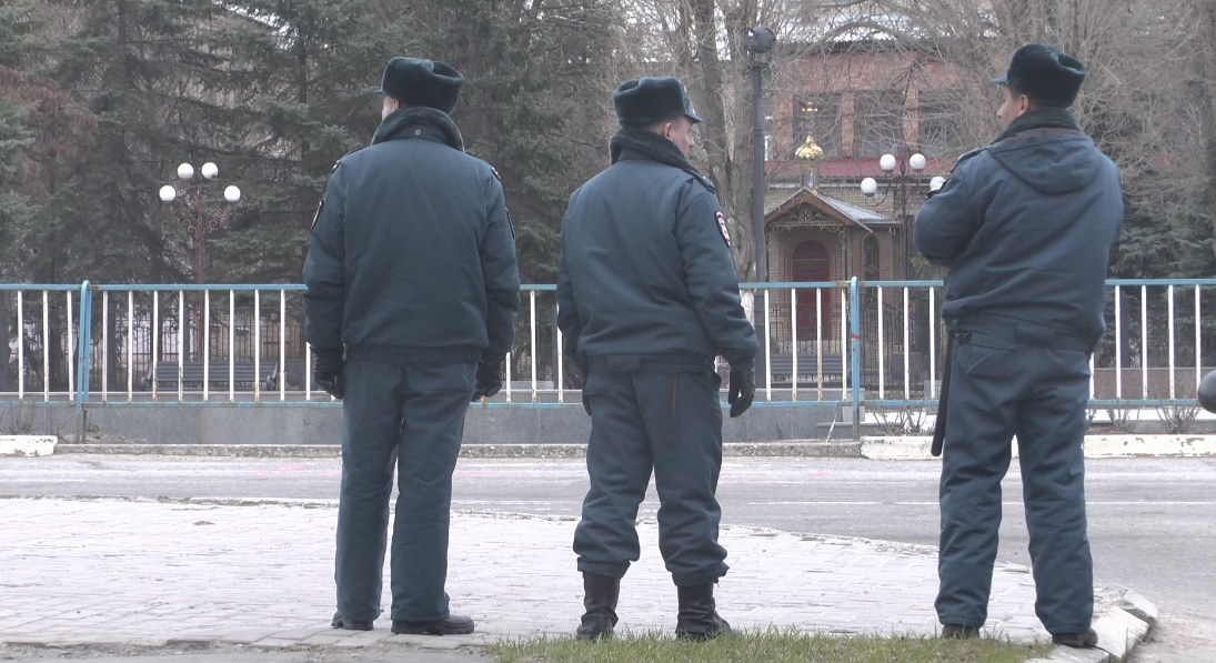 В Луганск приехал «ревизор»? (ФОТОРЕПОРТАЖ)