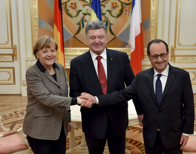 Меркель, Олланд, Порошенко. Фото с сайта president.gov.ua