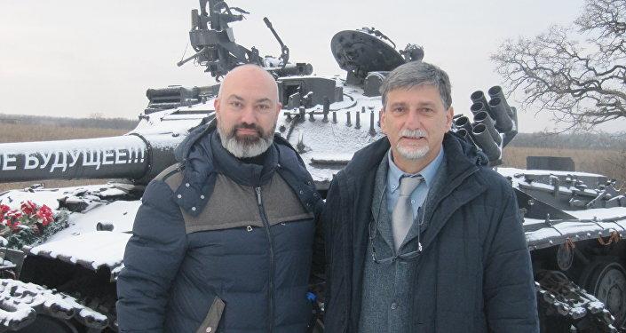 Джанматтео Феррари (слева) и Палмарино Дзокателли на Луганщине