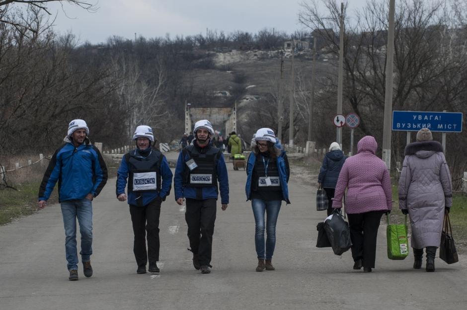 «ЛНР» обвинила сотрудников ОБСЕ в контрабанде «евроблях» и доставке посылок из Северодонецка