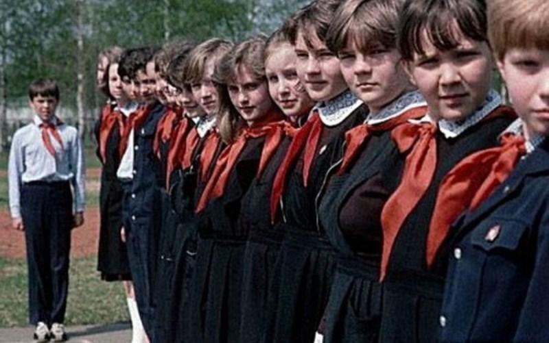 Школьники в форме