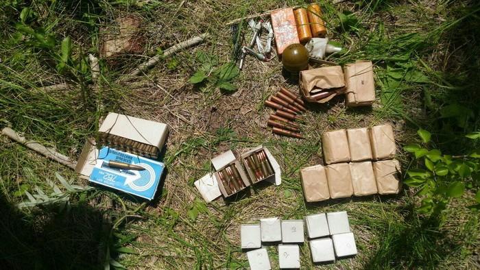 СБУ обнаружила новый схрон боевиков с оружием