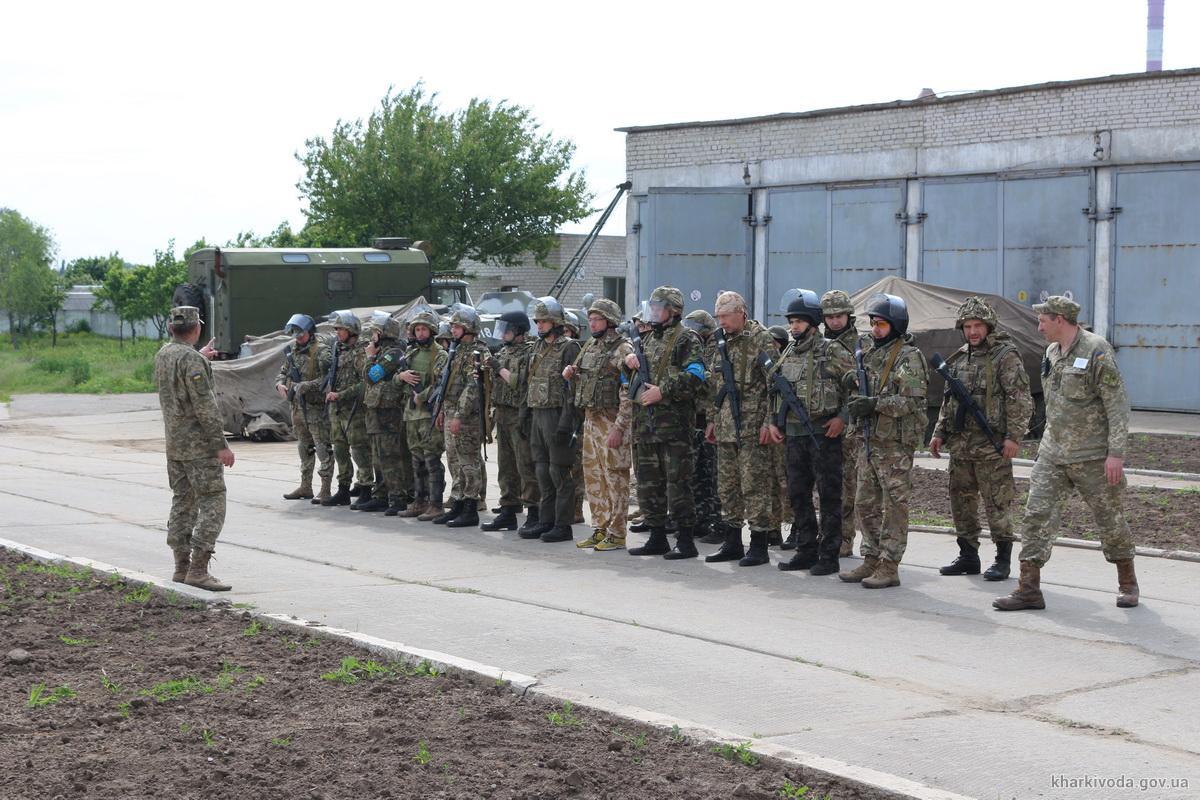 Учения 27 мая были не слишком многолюдными. Фото с сайта Харьковской ОГА