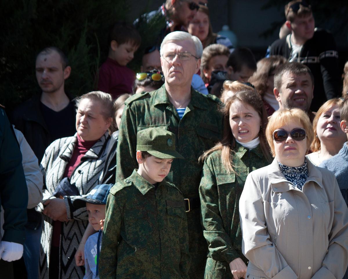 В Луганске на параде с семьей 2016 г. Из письма Матвеева родственникам