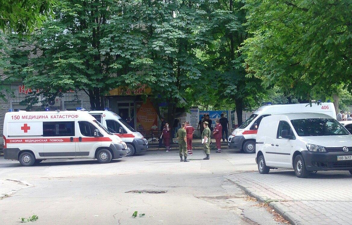 Группировка «ЛНР» сообщает о жертвах взрыва недалеко от «дома правительства» в Луганске