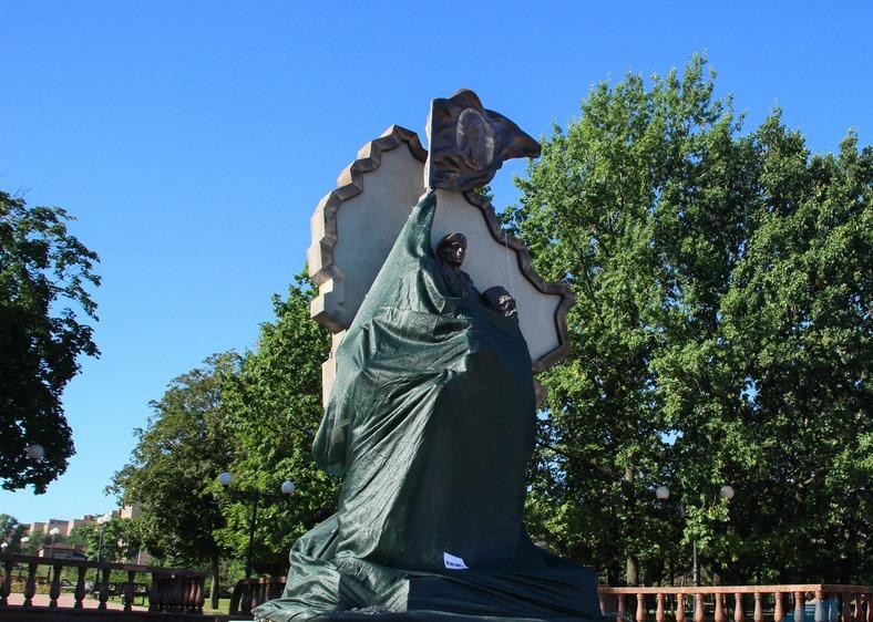 Памятник1-верхняя картинка
