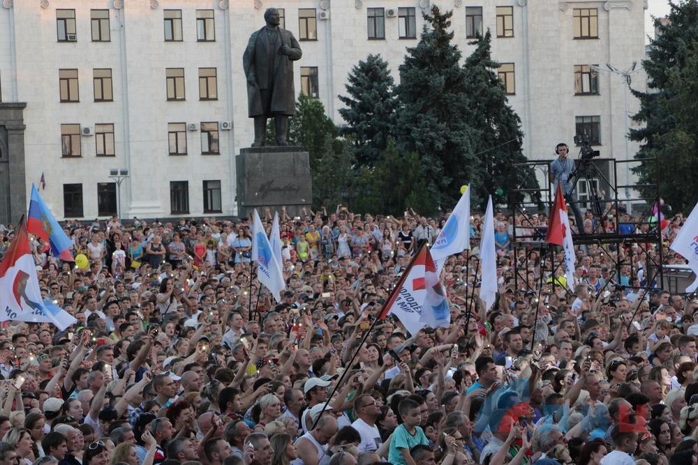 Запрещенный в Украине Газманов дал концерт в Луганске