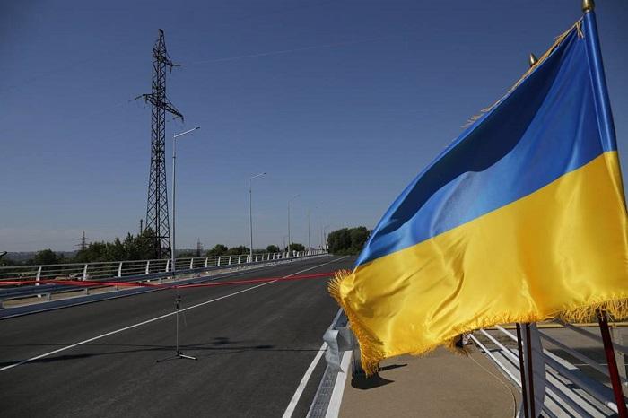 В Северодонецке открыли восстановленный путепровод