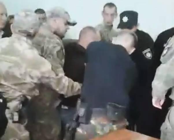В зале Рубежанского суда подсудимый угрожал подрывом взрывного устройства