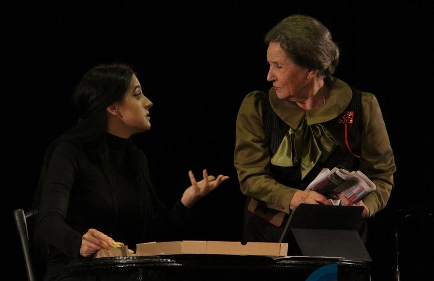 В «ЛНР» показали спектакль о Ленине, живущем в 2017 году